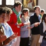 jeunes en prière